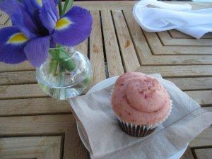 Cherry Soda Cupcake